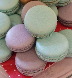 coloured macaroons 280px