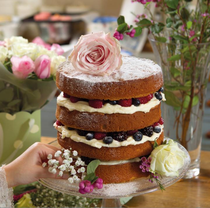 naked berry cake