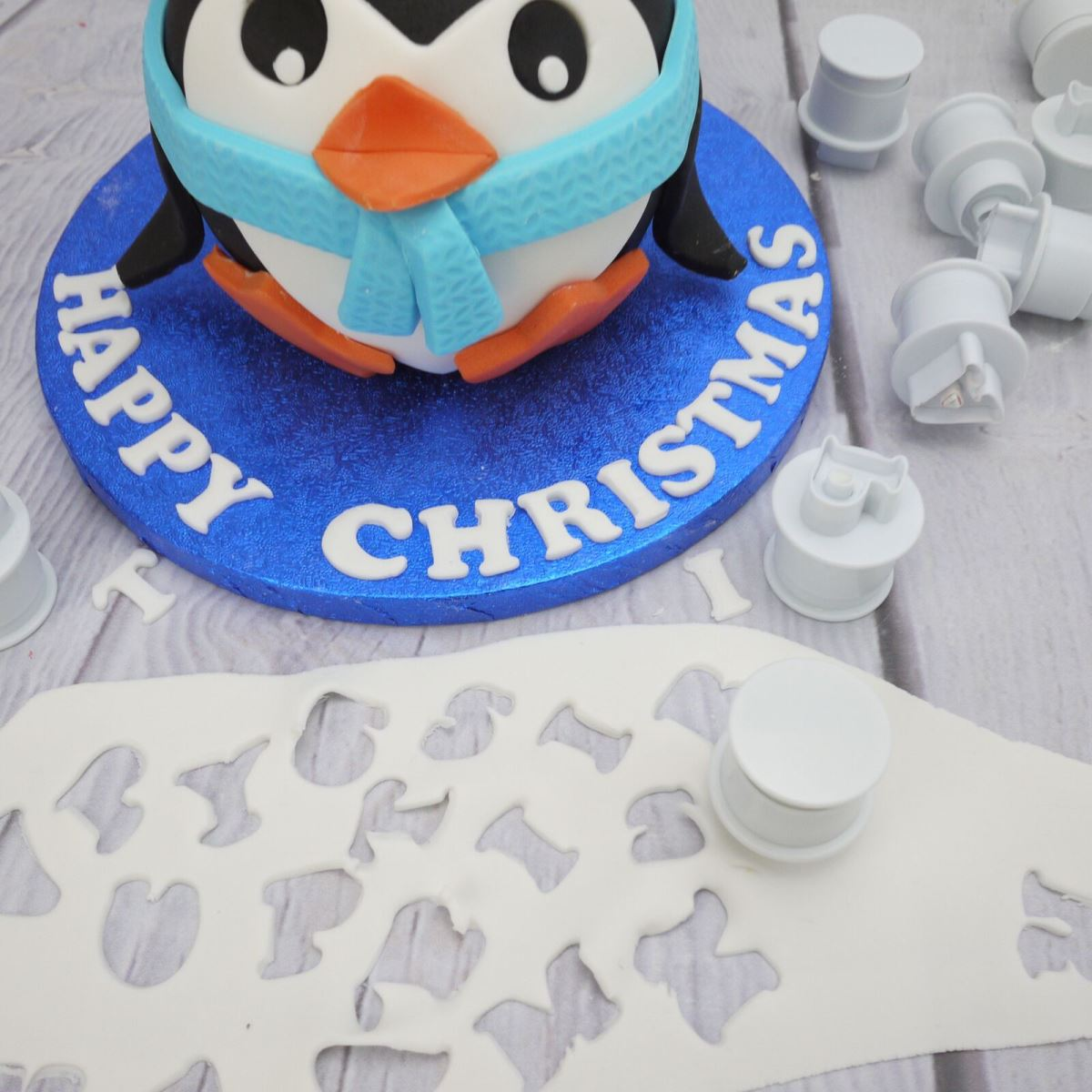 Penguin cake step 7