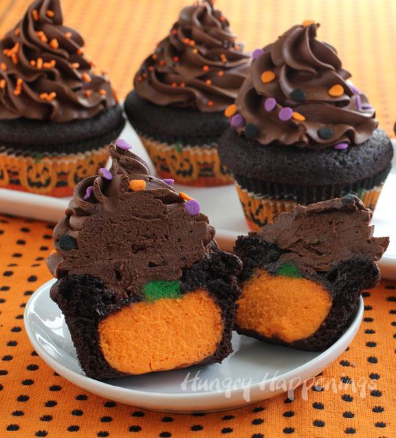 pumpkin-surprise-cupcakes-Halloween-reveal-cakes-