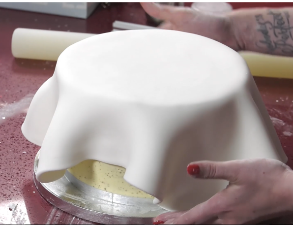 How to Smooth Fondant and Cover the Cake