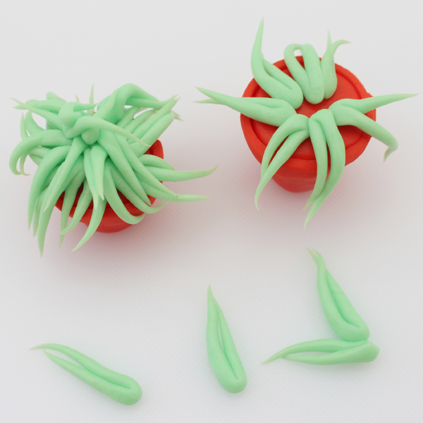 sugarpaste-flower-pots