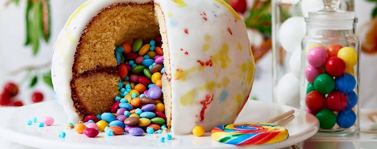 9 Magical Roald Dahl cake creations