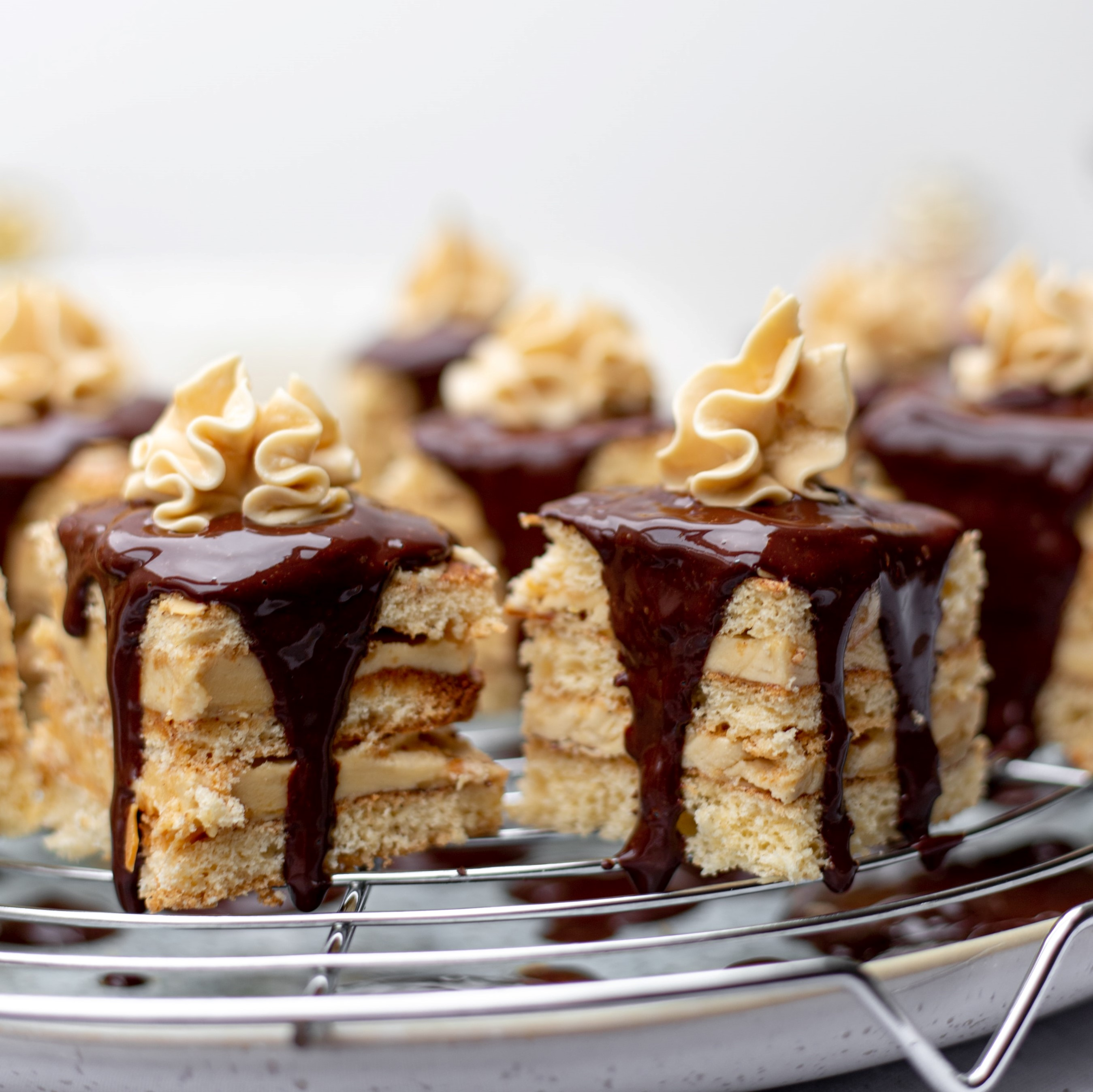 What is the difference between ganache and buttercream?