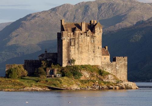 1024px-Eilean_Donan_castle_-_140mm-49415.jpg