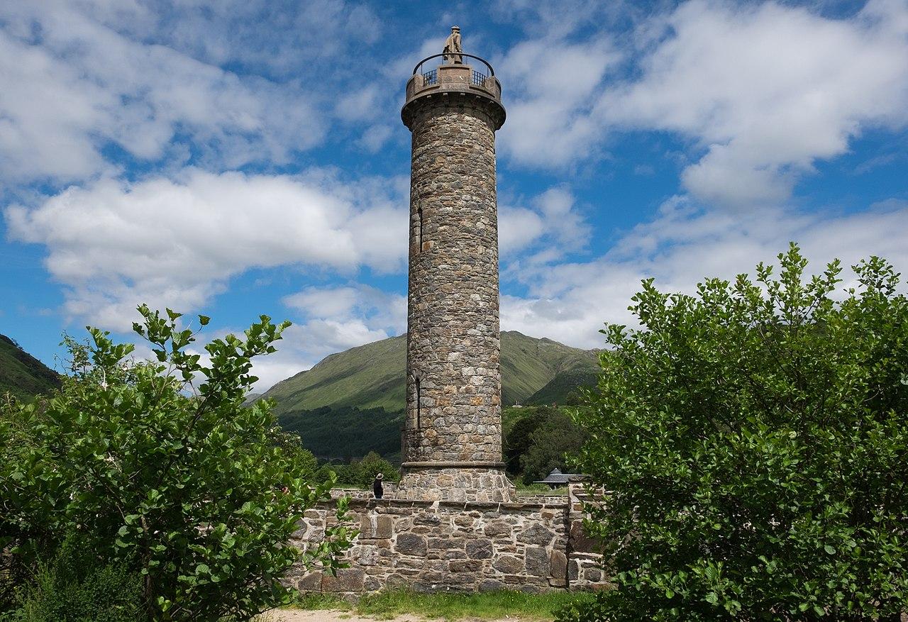 Glenfinnan Monument, copyright DeFacto