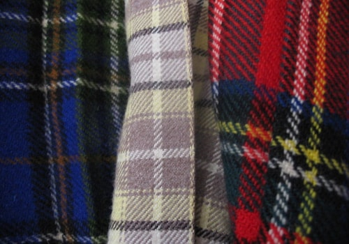 800px-Three_tartans-12594.jpg
