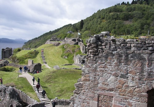 800px-Urquhart_Castle_from_Tower-41376.jpg