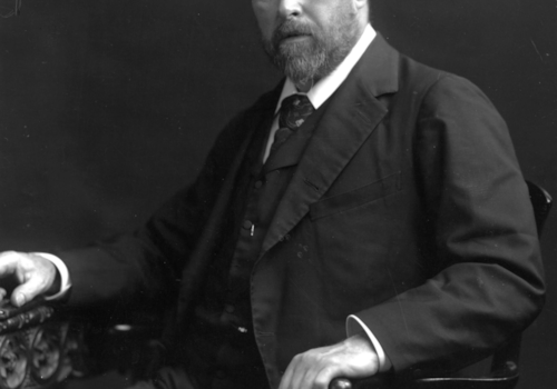 Bram-Stoker---By-unidentified-photographer-via-Wikimedia-Commons-52381.jpg