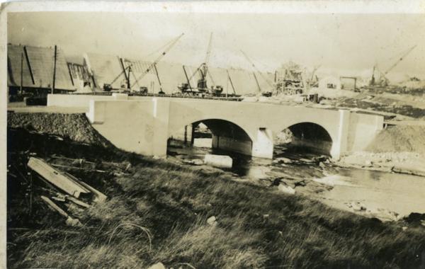 Clatteringshaws-Dam-003-16405.jpg