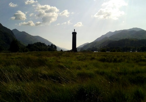 Glenfinnan_-_Jacobite_Memorial-58794.jpg