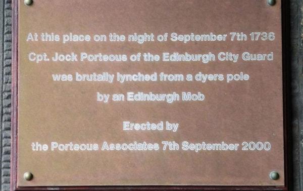 Porteous_Plaque,_Grassmarket,_Edinburgh_(2)-16423.JPG