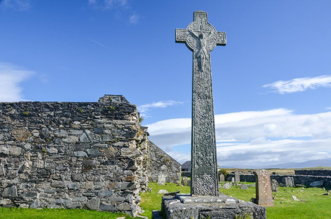 colonsay-priory-and-cross-17200.jpg