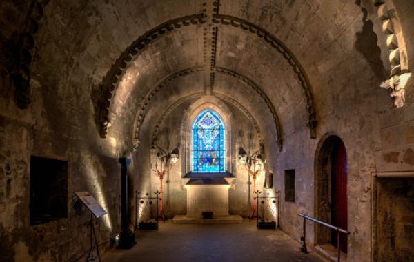 crypt-39060.jpg