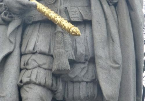 detail-edward-vii-statue-18146.jpg