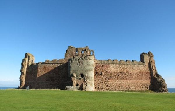 imports_CESC_tantallon-castle-15657451151-52378_49674.jpg