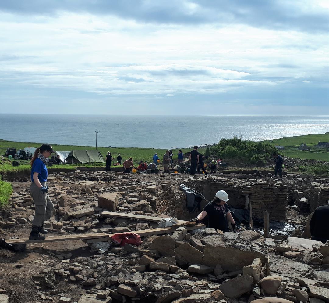 overview-of-cairns-excav-37421.jpg