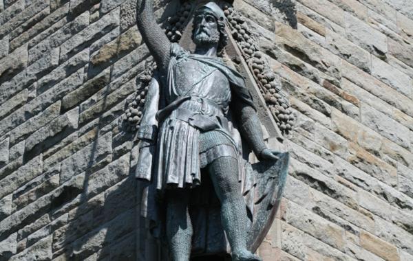 stevenson-statue-1-68870.jpg