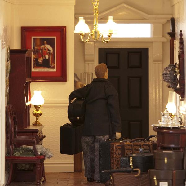 038-Featherstone-Hall-Hotel-luggage