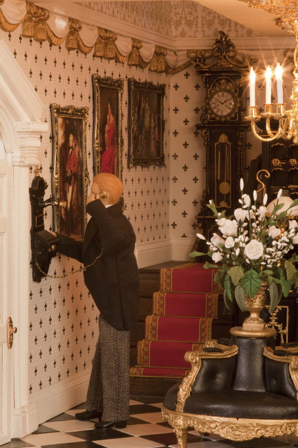 100-Featherstone-Hall-Hotel-telephoning