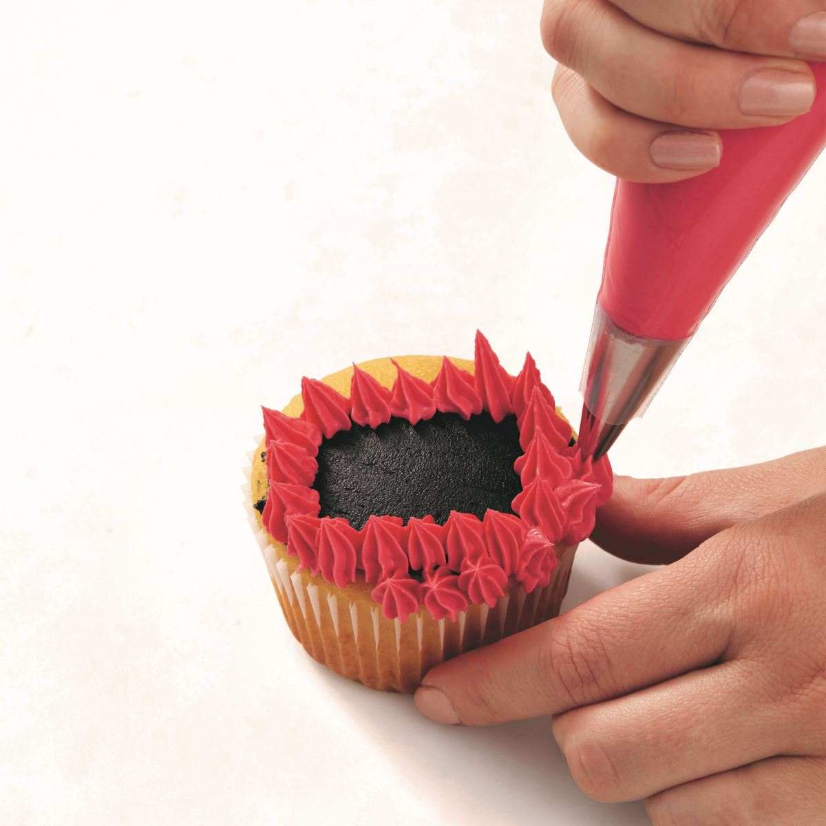 PINK ONE-EYED MONSTER CUPCAKE step 2