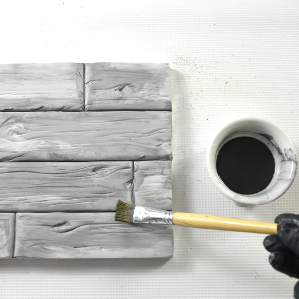 Painting wood cake texture