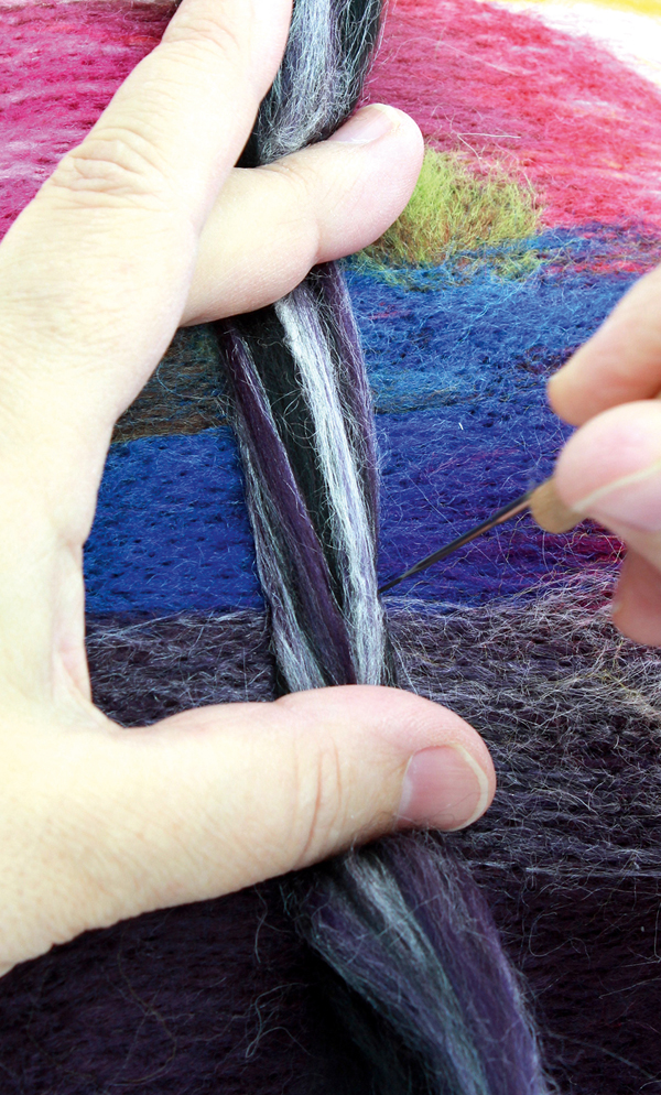 Making the tree from wool top fibres
