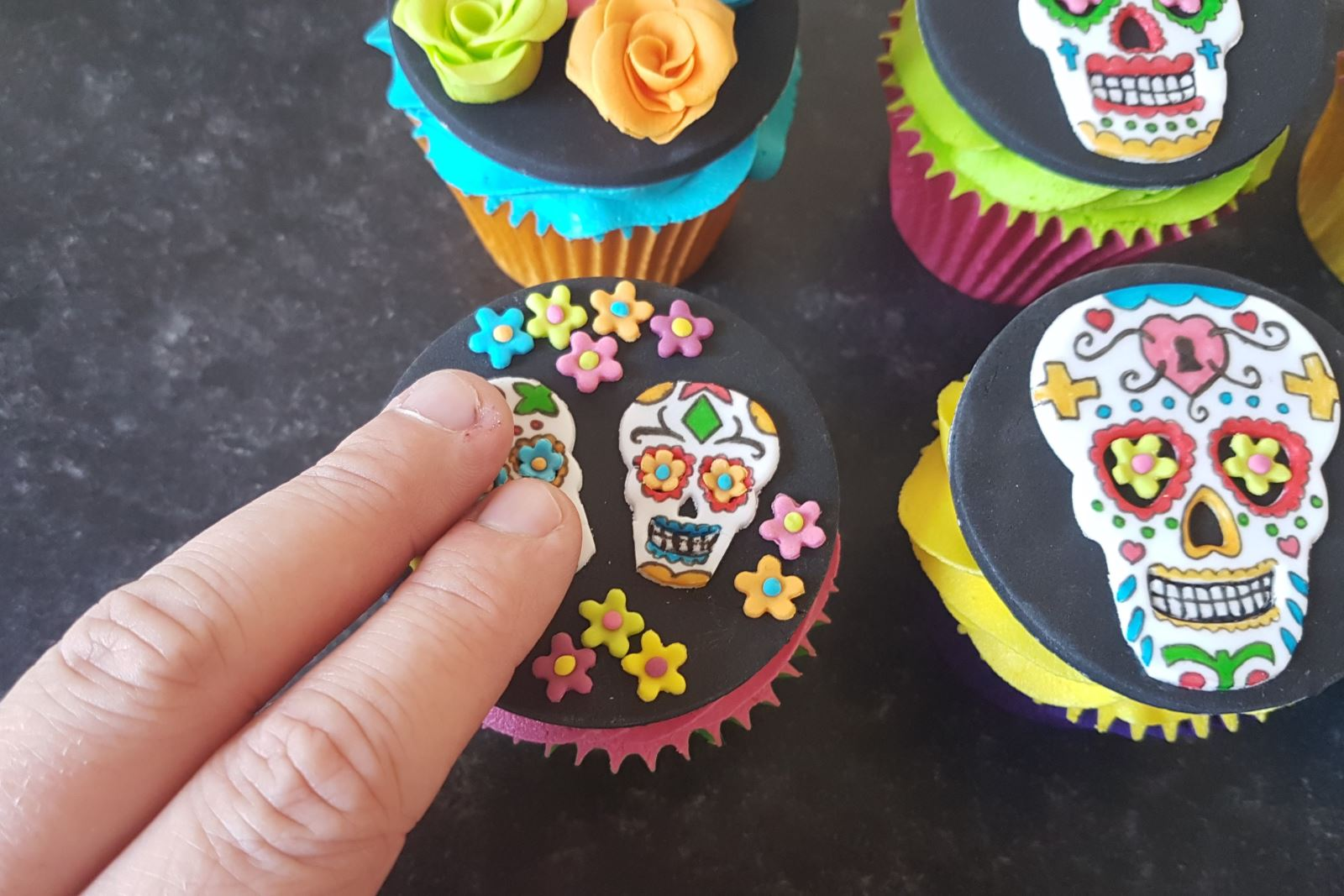Day of the Dead Halloween Cupcakes step 32