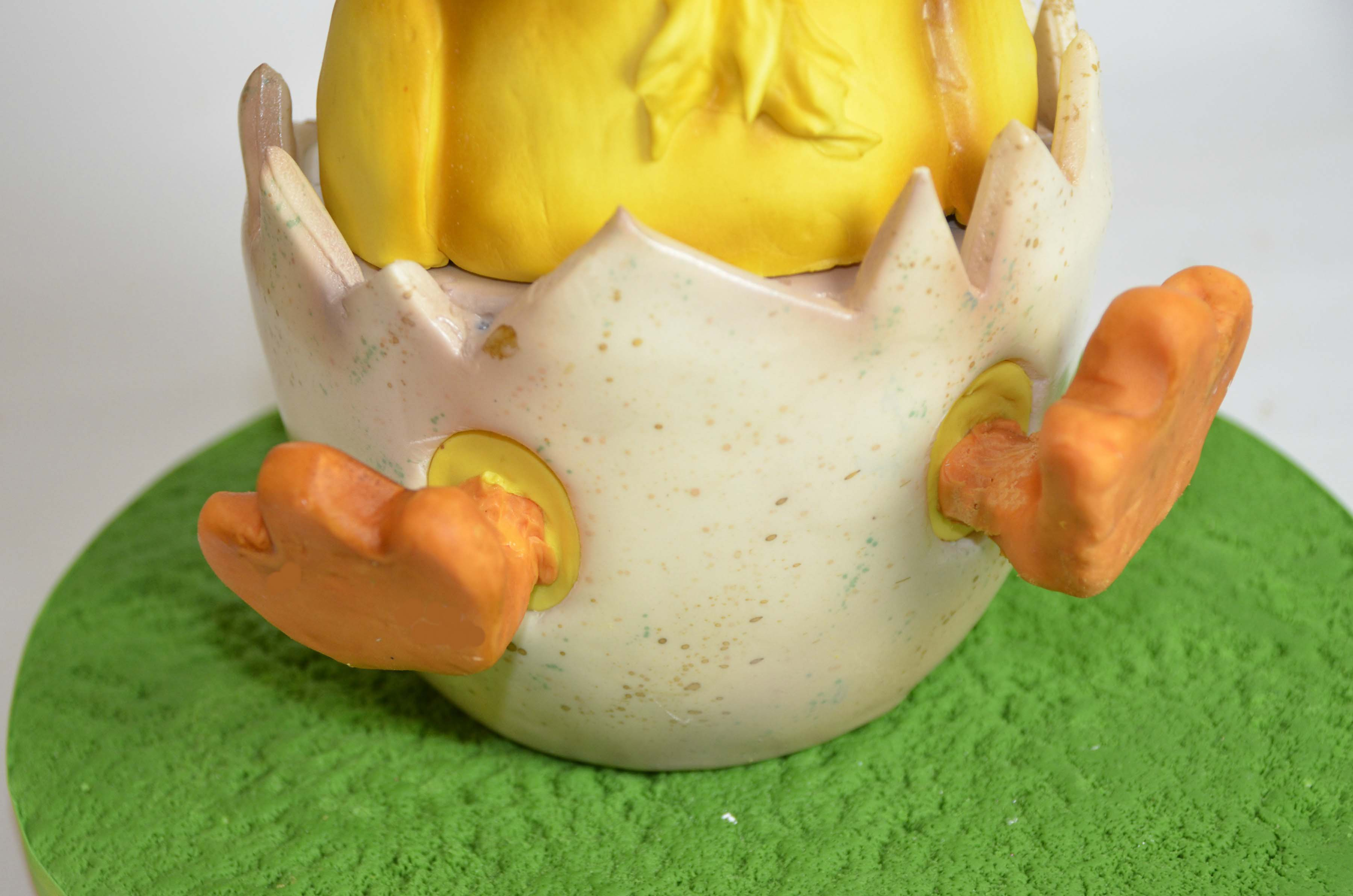 Chicks sugarpaste feet inserted in yellow holes