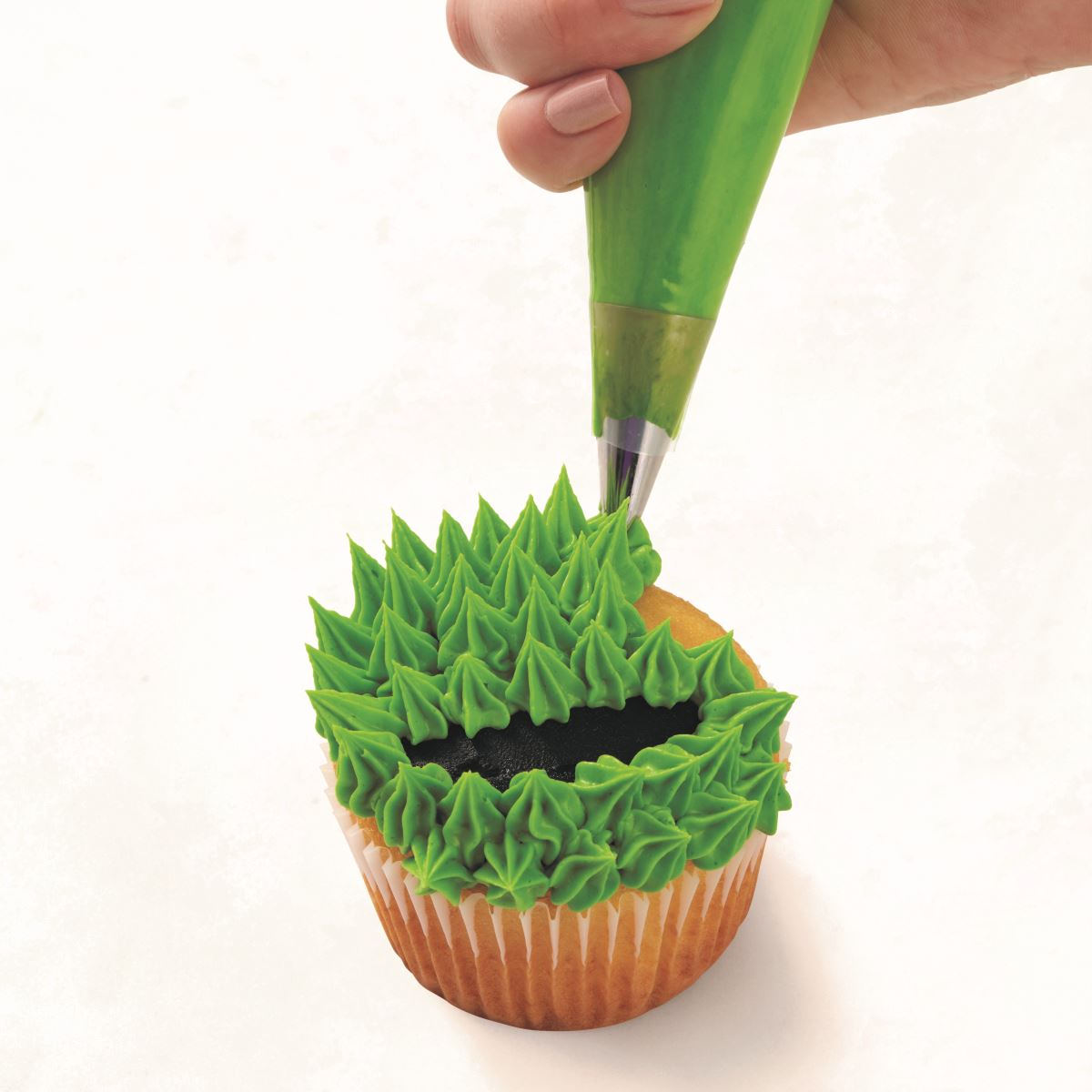 GREEN MONSTER CUPCAKE step 3