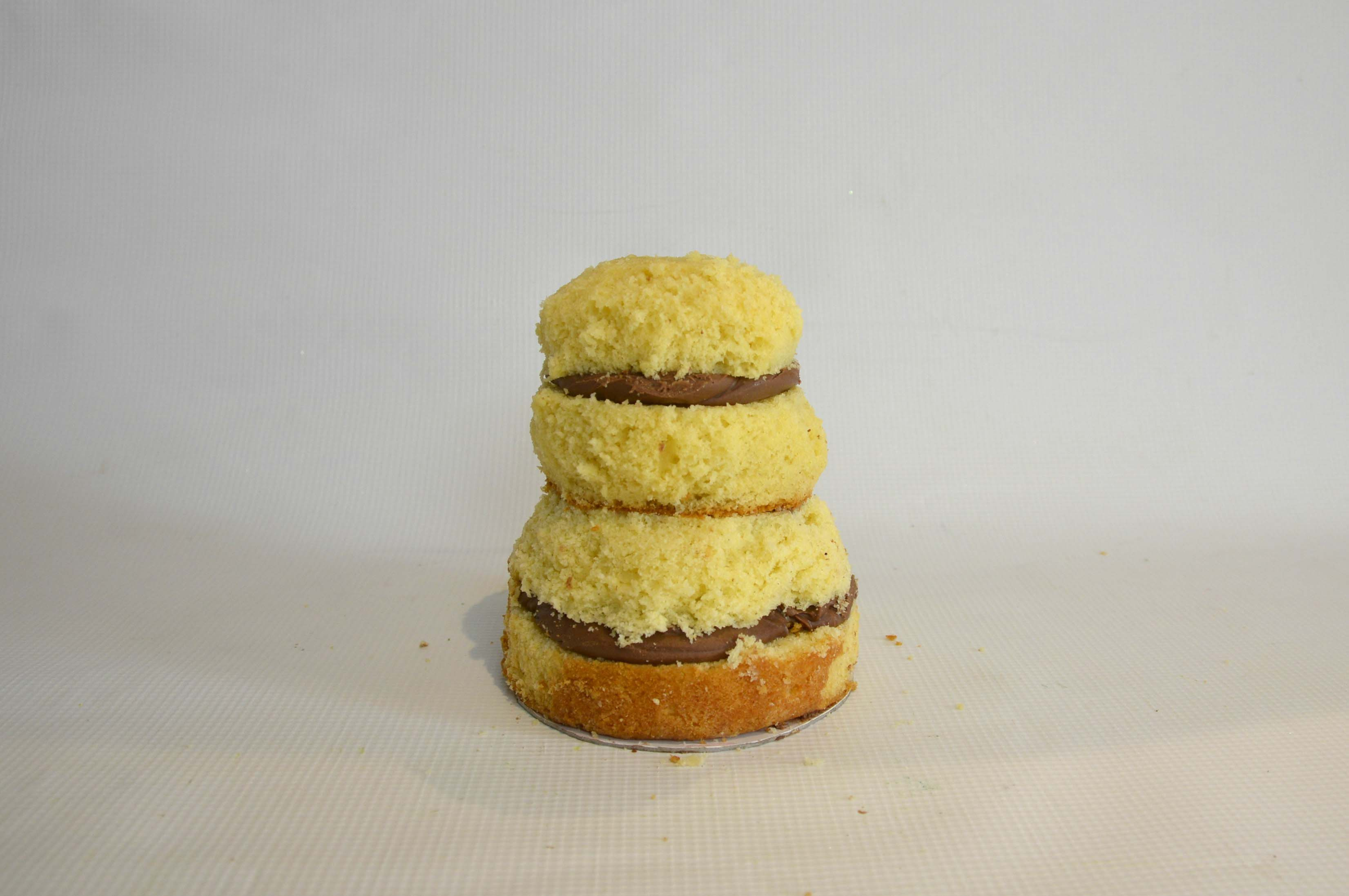 Cake in an hourglass shape