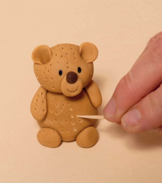 adding 'fur' to sugarpaste teddy bear