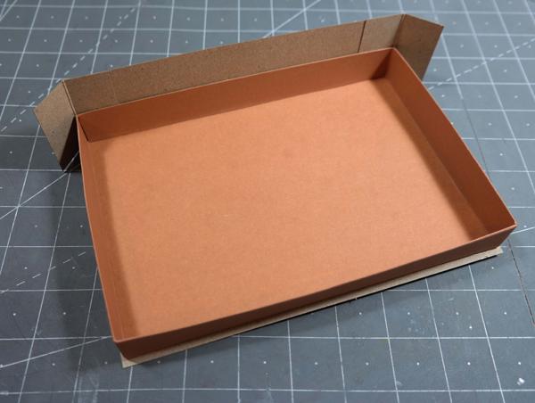 assembling-fathers-day-gift-box