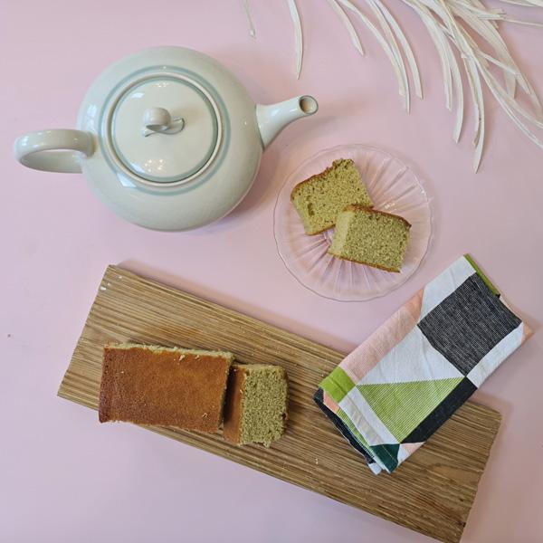 Matcha Castella cake with teapot