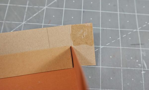 glue-top-right-square