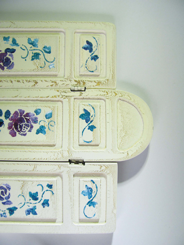 Finished stencilled dolls house screen