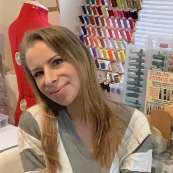 Jessica-Devin-embroiderer