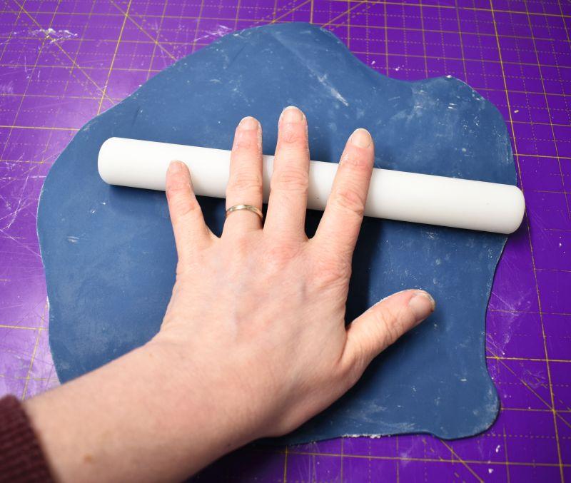 MOODY BLUES CAKE STEP 15