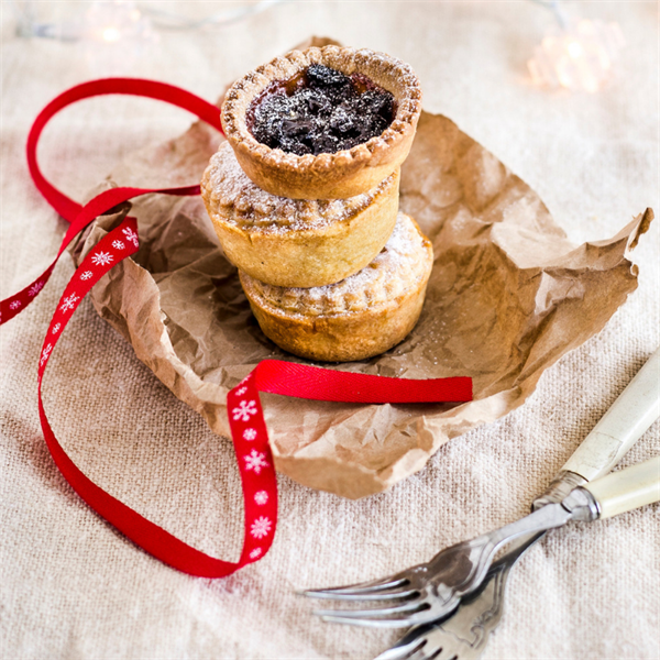 Apricot mince pies