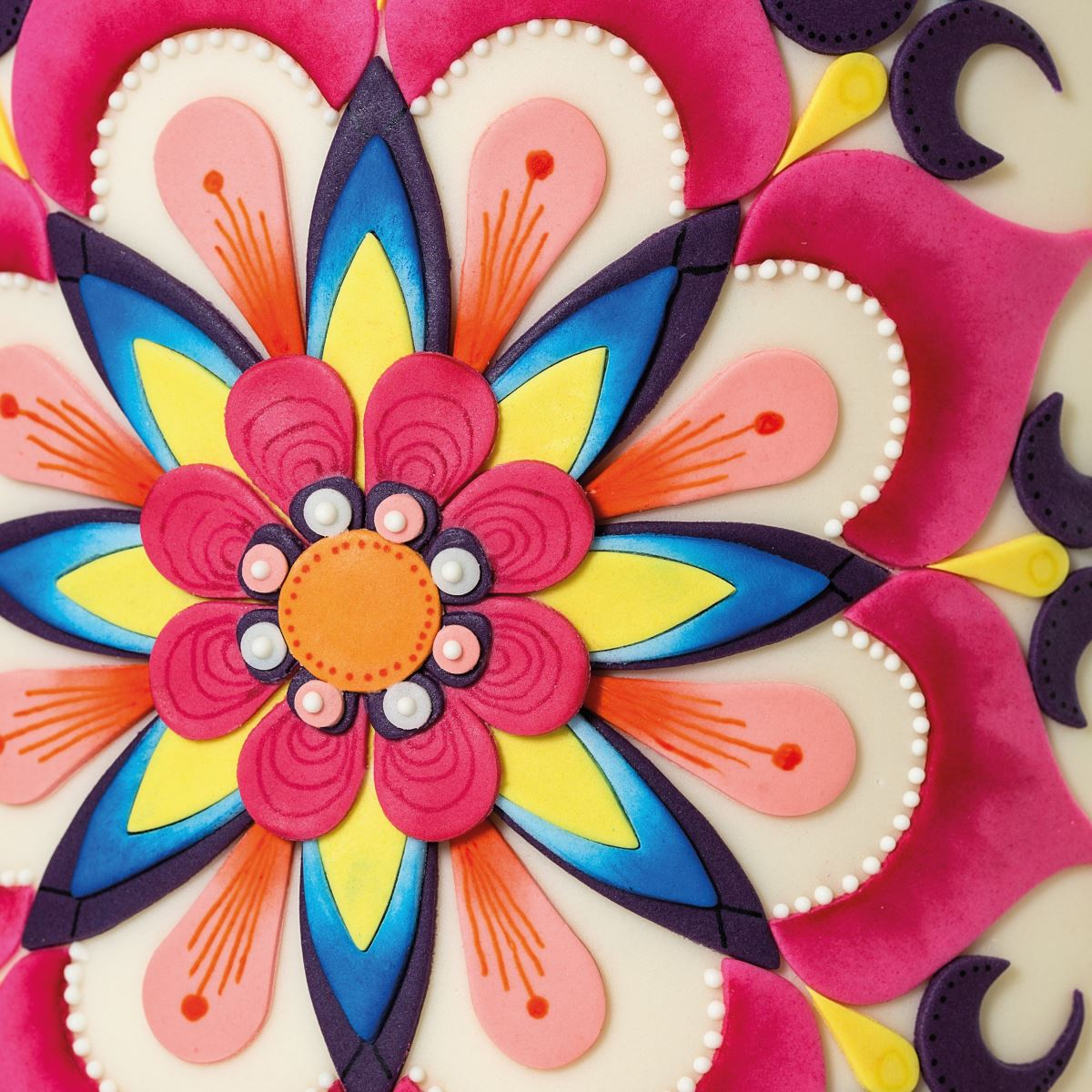 Mandala cake CLOSE UP