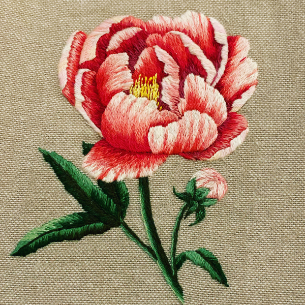 Silk-shaded-peony-by-Jessica-Devin-embroidery-closeup