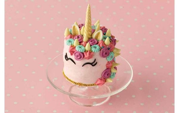 Miniature unicorn cake