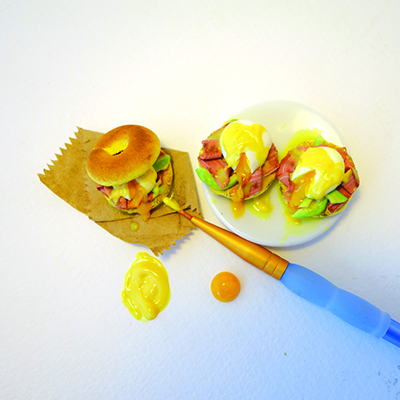 Applying sauce to clay eggs