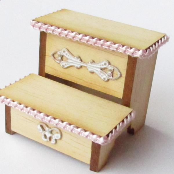 embellishing-miniature-furniture-using-metal-and-braid