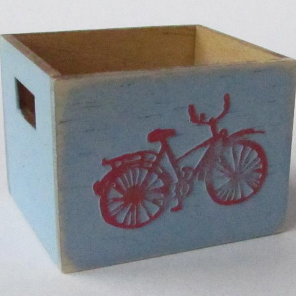 finished-paper-embellished-miniature-furniture