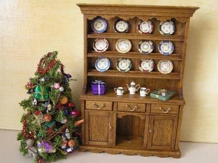 imports_HAC_christmascupboard_42247.jpg