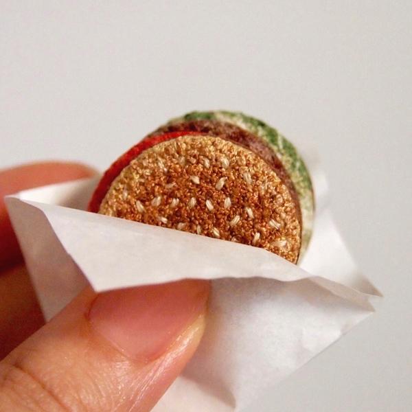 ipnot miniature embroidered burger