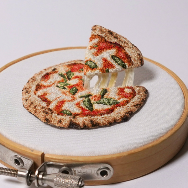 ipnot miniature embroidered pizza