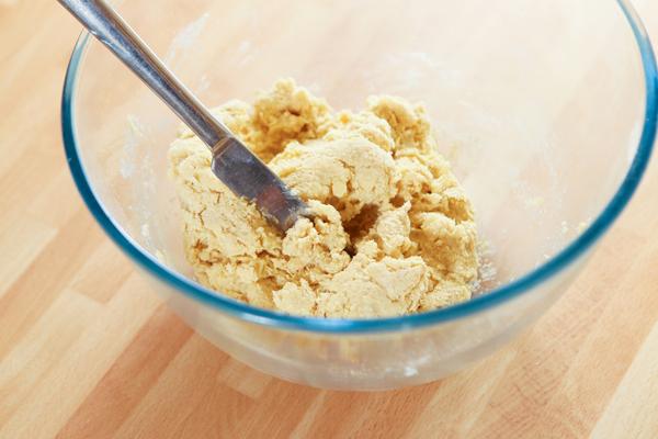 white-chocolate-scone-mix-dough