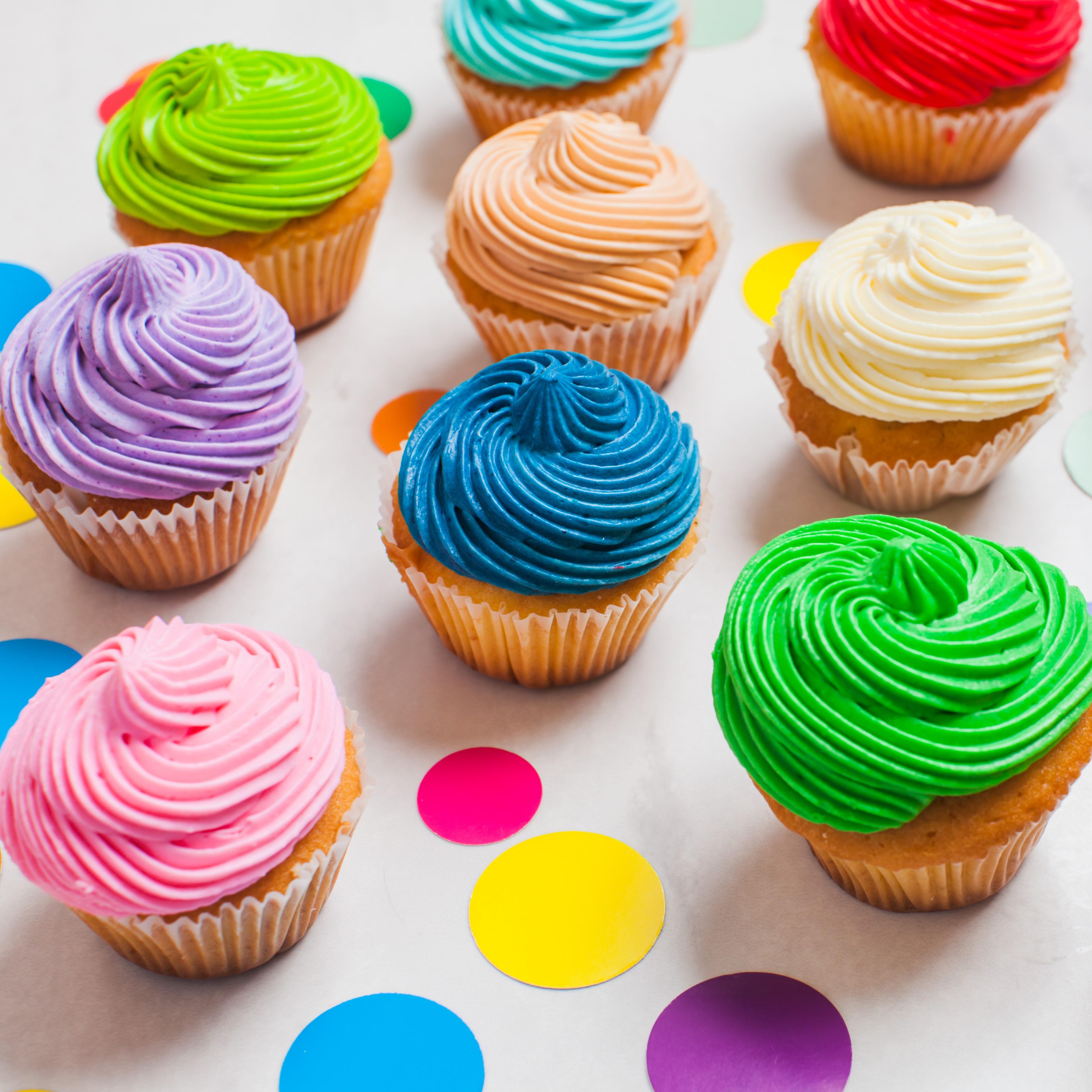 Solid swirl cupcake